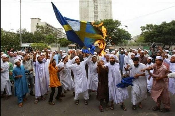 Esses religiosos da paz...